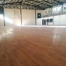 Ξεκίνησαν οι εργασίες για τη διαγράμμιση στο παρκέ του κλειστού γυμναστηρίου του Αγίου Γεωργίου Κοζάνης