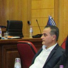 """kozan.gr: Θ. Καρυπίδης, στη συνεδρίαση του Π.Σ., απευθυνόμενος στον Γ. Κασαπίδη: """"Πέστε στον Πρωθυπουργό να τα πάρει πίσω. Εαν δεν τα πάρει πίσω (εννοώντας τις δηλώσεις για πλήρη απεξάρτηση της χώρας από το λιγνίτη μέχρι το 2028), εμείς σε αυτή τη συζήτηση (εννοώντας των αντισταθμιστικών για την απολιγνιτοποίηση) δεν μπαίνουμε. Το """"τυρί από τη φάκα"""" δεν θα το πάρουμε. Και θα δείτε ο λαός της Δ. Μακεδονίας στη φάκα θα οδηγήσει και τον κ. Μητσοτάκη κι εσάς, αν συναινέσετε μαζί του"""" (Βίντεο)"""