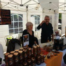 kozan.gr: Το μέλι έχει την τιμητική του, σήμερα, Κυριακή 6/10, στην Πτολεμαΐδα – Η 2η γιορτή μελιού & προϊόντων κυψέλης στην κεντρική πλατεία της πόλης   (Βίντεο & Φωτογραφίες)