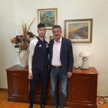 Επίσκεψη του Πρωταθλητή Ευρώπης Μίλτου Τεντόγλου στον Δήμαρχο Γρεβενών