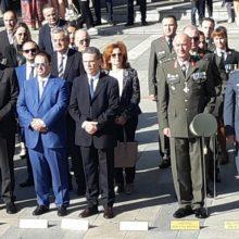 kozan.gr: Ώρα 11:00: Κοζάνη: Επιμνημόσυνη δέηση & κατάθεση στεφάνων στην Κεντρική Πλατεία, στο πλαίσιο του εορτασμού της 107ης επετείου της απελευθέρωσης της Κοζάνης από τον Τουρκικό Ζυγό (Φωτογραφίες & Βίντεο)