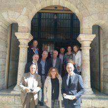 Η Μαρία Σπύρακη δεσμεύτηκε να βοηθήσει να εξασφαλισθούν οι οικονομικοί πόροι για τη συντήρηση των εκθεμάτων και να επιτευχθεί ο στόχος της αναγνώρισης του Ιστορικού, Λαογραφικού και Φυσικής Ιστορίας Μουσείου Κοζάνης από το Υπουργείο Πολιτισμού, σύμφωνα με τις κείμενες διατάξεις