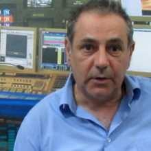 "kozan.gr: Ο Νίκος Συλλίρης, στο kozan.gr, στην πρώτη του συνέντευξη ενόψει των εκλογών στο ΤΕΕ: ""Η ΔΚΜ και το Δυναμικό ΤΕΕ συνεργάστηκαν, σε επίπεδο Διοικούσας Επιτροπής, με τις θέσεις Προέδρου – Αντιπροέδρου – Η παραδοχή της ΔΚΜ, ότι υπήρξε απραγία στο περιφερειακό τμήμα τα τελευταία χρόνια, τα λέει όλα – Υπάρχουν κάποιοι μηχανισμοί στο τοπικό ΤΕΕ που δεν το αφήνουν να δουλέψει σε σωστή βάση – κατεύθυνση – To Δυναμικό ΤΕΕ αυτοπροσδιορίζεται ανεξάρτητο, αλλά είναι πολλαπλά εξαρτημένο. Σε ό,τι αφορά τις εκλογές, αν το 16,5% που είχαμε την προηγούμενη φορά, γίνει 19%, που νομίζουμε ότι θα το πετύχουμε, θα έχουμε μια 2η έδρα στην Δ.Ε. για καλύτερη εκπροσώπηση"" (Βίντεο)"