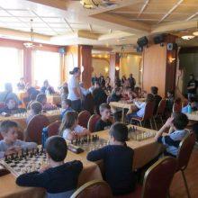 Ρεκόρ  συμμετοχών,  στο τουρνουά σκακιού «Ελευθέρια» , στην Πτολεμαΐδα – 2 χρυσά, 7 αργυρά και 3 χάλκινα, τα μετάλλια των σκακιστών της Πτολεμαΐδας