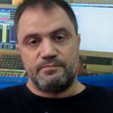 """Σοβαρές αναφορές του Γ. Μητλιάγκα, σε σημερινή (18/10) συνέντευξή του στο kozan.gr: """"Επειδή ο κ. Σαρρής μένει διαρκώς στη λογική του εκλογικού αποτελέσματος (=επειδή κέρδισα τις εκλογές θα κάνετε ό,τι θέλω εγώ) , αν θέλει, ας δημοσιοποιήσει το πρακτικό 374 του Δ.Σ. του ΕΒΕ Κοζάνης, για τις πρακτικές που ακολουθήθηκαν στην εκλογική διαδικασία κι αφορούν αθρόες πληρωμές μελών, χωρίς πιθανώς να είναι τα ίδια ενημερωμένα. Εδώ κι ενάμιση χρόνο δεν έχουμε γνώση για τις πράξεις που αφορούν την ταμειακή διαχείριση στην Αστική Εταιρεία Προώθησης της Επιχειρηματικότητας Ν. Κοζάνης. Κρύβεται κάτι πίσω απ' αυτό; Oι συναντήσεις που γίνονται με τους εμπορικούς συλλόγους, εκτός από τις φωτογραφίες, τι αποτελέσματα έχουν;"""" (Βίντεο)"""