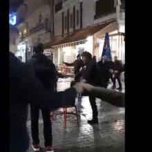 kozan.gr: «Προθέρμανση», για Κρητικό γλέντι, στην κεντρική πλατεία της Κοζάνης, με αφορμή τον ετήσιο χορό του Συλλόγου Κρητών Ν. Κοζάνης «Η Μεγαλόνησος» (Βίντεο)