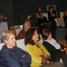 "kozan.gr:  Ξεκίνησαν, το απόγευμα της Παρασκευής 8/11, οι εκδηλώσεις ""Μικρές ανέκδοτες ιστορίες"", στην Κοβεντάρειο Δημοτική Βιβλιοθήκη Κοζάνης (Φωτογραφίες & Βίντεο)"