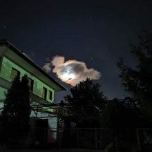 Σιάτιστα: Το φεγγάρι παίζει με τα σύννεφα (Βίντεο)