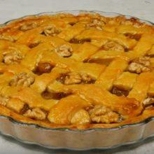 Tο foodaholics.gr προτείνει Γαλλική μπισκοτένια αχλαδόπιτα