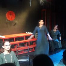 kozan.gr: Κοζάνη: Πραγματοποιήθηκε, το βράδυ της Παρασκευής 15/11, από τη θεατρική ομάδα ΟνειρόDrama, η πρεμιέρα, της παράστασης «8 γυναίκες κατηγορούνται» (Bίντεο & Φωτογραφίες)