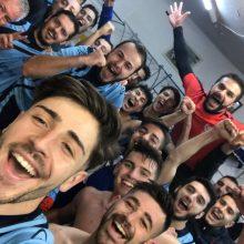 kozan.gr: Α' ΕΠΣΚ: Πήρε το ντέρμπι, με σκορ 1-0, ο Μακεδονικός Κοζάνης απέναντι στον Εορδαϊκό – Tα πανηγύρια στα αποδυτήρια (Βίντεο & Φωτογραφία)