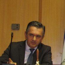 kozan.gr: Έντονη ενόχληση και του Περιφερειάρχη Γ. Κασαπίδη από τις δηλώσεις, του περιφερειακού συμβούλου της αντιπολίτευσης Π. Κώττα, σε ραδιόφωνο της Καστοριάς,  ότι η Περιφερειακή Αρχή είναι ανέντιμη και δεν έχει τσίπα – Του ζήτησε να ανακαλέσει, κάτι που εν τέλει έκανε ο κ. Κώττας, δίνοντας όμως κάποιες διευκρινίσεις περί του τι εννοούσε (Βίντεο)