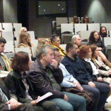 kozan.gr: Κοβεντάρειος Δημοτική Βιβλιοθήκη: Μέλη της θεατρικής ομάδας Κοζάνης διάβασαν, το πρωί της Κυριακής 24/11, αποσπάσματα βιβλίων, που αναφέρονται σε ιστορίες θυμάτων γυναικών ενδοοικογενειακής βίας (Φωτογραφίες & Βίντεο)