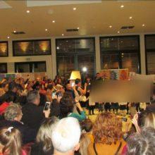kozan.gr: Mε μια υπέροχη γιορτή, άναψε, το απόγευμα της Πέμπτης 28/11, το Χριστουγεννιάτικο Δέντρο της Κοβενταρείου Δημοτικής Βιβλιοθήκης Κοζάνης (Φωτογραφίες)