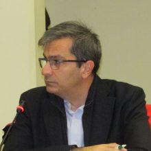 kozan.gr: Πλήρης ενημέρωση από τον Πρύτανη του Πανεπιστημίου Δ. Μακεδονίας Θ. Θεοδουλίδη, στο Δ.Σ. Κοζάνης, για τα προβλήματα που αντιμετωπίζει το Ίδρυμα – Εκτός από τα οικονομικά προβλήματα, τα σημαντικότερα – προβλήματα – έχουν να κάνουν με τη στελέχωση τόσο σε διδακτικό όσο και διοικητικό προσωπικό – Για 22 τμήματα υπάρχουν μόλις 190 καθηγητές – Η συζήτηση για τα νέα τμήματα θα ξανανοίξει τον Ιανουάριο, ενώ ο στρατηγικός σχεδιασμός του Ιδρύματος, όταν ολοκληρωθεί, θα είναι ανοιχτός και θα μπει σε διαβούλευση με την τοπική κοινωνία (Βίντεο 18′ – ΟΛΗ η τοποθέτηση)