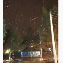kozan.gr: H πρώτη χιονόπτωση, μικρής διάρκειας, μέσα στην πόλη της Πτολεμαΐδας, σημειώθηκε λίγο μετά τις 3, ξημερώματα Τετάρτης 4/12 (Βίντεο//0