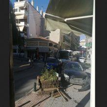 kozan.gr: Κοζάνη: Τροχαίο ατύχημα, με πλαγιομετωπική σύγκρουση δύο οχημάτων, σημειώθηκε στην περιοχή της Γιτιάς, το μεσημέρι της Δευτέρας 9/12 (Φωτογραφία)