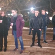 kozan.gr: Κοζάνη: Κι η Πλατεία Λασσάνη σε εορταστικούς ρυθμούς – Αντάμωσαν και διασκέδασαν, σε rock  ήχους, το απόγευμα της Παρασκευής 20/12, με το συγκρότημα SKY FALL (Φωτογραφίες & Βίντεο)