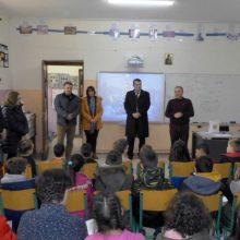 Δωροεπιταγές από την Περιφέρεια Δυτικής Μακεδονίας σε μικρούς μαθητές ακριτικών χωριών
