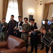 kozan.gr: Κοζάνη: Η μπάντα του Στρατού είπε τα κάλαντα στο Δήμαρχο Κοζάνης και συνέχισε στον κεντρικό πεζόδρομο της πόλης (Βίντεο & Φωτογραφίες)