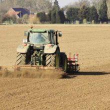 Σημαντική πτώση των τιμών αγοράς αγροτικής γης στην Ελλάδα στο διάστημα της τελευταίας οκταετίας – Oι χαμηλότερες τιμές «ανήκουν» στη Δυτική Μακεδονία