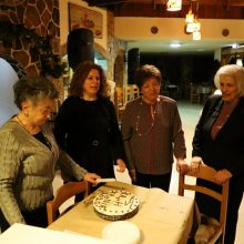 kozan.gr: Πολύ κέφι και τραγούδι, από τα μέλη και τους φίλους της δραστήριας Μικτής Χορωδία Κοζάνης «ΕΛΙΜΕΙΑ», στην κοπή πίτας, το βράδυ της Πέμπτης 16 Ιανουαρίου (Βίντεο & Φωτογραφίες)