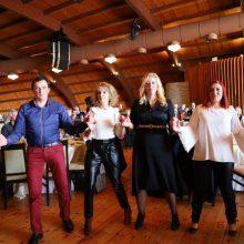 kozan.gr: Ανεβασμένη διάθεση και πολύ κλαρίνο στον ετήσιο χορό του Μορφωτικού Πολιτιστικού Συλλόγου Πλατανιά, που πραγματοποιήθηκε το μεσημέρι της Κυριακής 2 Φεβρουαρίου (Bίντεο 7′ & 34 Φωτογραφίες)