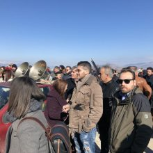 "kozan.gr: Ώρα 14:00: Οι πρώτες φωτογραφίες και βίντεο, έξω από το ξενοδοχείο ""Παντελίδης"" στην Πτολεμαΐδα, μιάμιση ώρα πριν την έναρξη της ημερίδας με θέμα τη δίκαιη αναπτυξιακή μετάβαση της Δυτικής Μακεδονίας,  παρουσία του Υπουργού Κ. Χατζηδάκη και κλιμακίου της κυβέρνησης – Aναμένεται πολύς κόσμος (Βίντεο)"