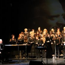 "Kozan.gr: Με υπέροχες μελωδίες του μουσικοσυνθέτη Γιώργου Χατζηνάσιου ""πλημμύρισε"" η Αίθουσα Τέχνης Κοζάνης, το βράδυ του Σαββάτου 8/2  (Φωτογραφίες & Βίντεο)"