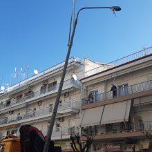 kozan.gr: Πτολεμαίδα: Αποξηλώνονται  κι απομακρύνονται 12 τσιμεντένιες κολόνες ηλεκτροφωτισμού επι της οδού 25ης Μαρτίου – Τι λέει για το θέμα ο Αντιδήμαρχος Τεχνικών Έργων του Δήμου Εορδαίας  Νικόλαος Φουρκιώτης (Βίντεο & Φωτογραφίες)