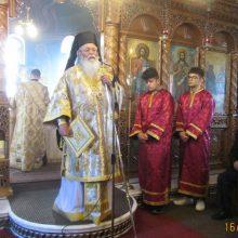Με λαμπρότητα τελέστηκε η Αρχιερατική Θεία Λειτουργία  στον Ιερό Ναό του Αγίου Διονυσίου εν Ολύμπω στο Βελβεντό  της Ιεράς Μητροπόλεως Σερβίων και Κοζάνης (του παπαδάσκαλου Κωνσταντίνου Ι. Κώστα)