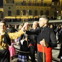 kozan.gr: H εμφάνιση των χορευτικών & του Φανού Κρεβατάκια, το βράδυ της Παρασκευής 21/2, στην κεντρική πλατεία Κοζάνης (53 Φωτογραφίες &  Βίντεο 11′)
