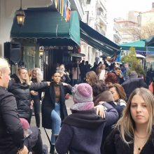 kozan.gr: Ώρα 15:00: Μεσημέρι Σαββάτου 22/2, έξω από το Le Roi, στην κεντρική πλατεία της Κοζάνης (Βίντεο)