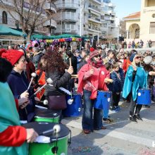 kozan.gr: Το σύνολο κρουστών του Δημοτικού Ωδείου Κοζάνης, με την ονομασία «Συνομωσία κρουστών» εμφανίστηκε το μεσημέρι της Κυριακής Μικρής Αποκριάς, 23/2, στη κεντρική πλατεία Κοζάνης   (Φωτογραφίες & Βίντεο)