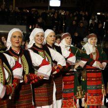 kozan.gr: Χορούς από τη Μακεδονία, παρουσίασαν το βράδυ της Κυριακής 23/2 στην κεντρική πλατεία Κοζάνης, 12 σύλλογοι (38 Φωτογραφίες & 27′ Βίντεο σε HD ποιότητα)