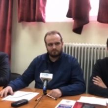 "kozan.gr: Οι εκπρόσωποι της Λαϊκής Συσπείρωσης, για τις εξελίξεις στην ενέργεια, σε σημερινή τους συνέντευξη, από την Κοζάνη: ""Ο αγώνας ενάντια στο κλείσιμο μονάδων και ορυχείων, στην απολιγνιτοποίηση, στην ιδιωτικοποίηση ή κλείσιμο της ΛΑΡΚΟ πρέπει να δυναμώσει και να κλιμακωθεί – Ο λαός της περιοχής να γυρίσει την πλάτη στις κάλπικες αντιπαραθέσεις"" (Βίντεο)"