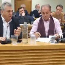kozan.gr: Το θέμα της εγκατάστασης κερκίδων στο Στρατιωτικό Γήπεδο Κοζάνης, έθεσε, κατά τη συνεδρίαση του Δ.Σ. Κοζάνης, ο Κυριάκος Μιχαηλίδης – Τι του απάντησε ο Δήμαρχος Κοζάνης Λ. Μαλούτας (Βίντεο)