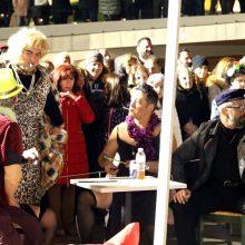 """kozan.gr: Γέλιο """"σκόρπισε"""" το Θεατρικό «Μερικοί το προτιμούν …σβηστό», από το Φανό Αη Δημήτρη, που παρουσιάστηκε το βράδυ της Δευτέρας 24/2, στην κεντρική πλατεία Κοζάνης, στο πλαίσιο των Αποκριάτικων εκδηλώσεων (Bίντεο 15′)"""