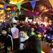 kozan.gr: Σε κλίμα Αποκριάς αλλά και στους γνωστούς ροκ ρυθμούς διασκέδασαν όσοι βρέθηκαν το βράδυ της Πέμπτης 27/2 στο Chorus bar στην Κοζάνη (Φωτογραφίες και Βίντεο σε ποιότητα HD)