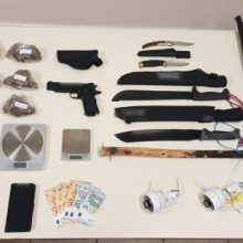 Συνελήφθη 31χρονος στην Πτολεμαΐδα για διακίνηση ναρκωτικών ουσιών και παράβαση της νομοθεσίας περί όπλων (Φωτογραφία)