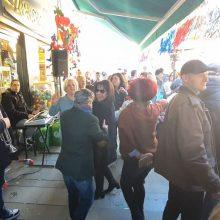 kozan.gr: Ώρα 15.15: Μεσημέρι Σαββάτου Μεγάλης Αποκριάς: Χάλκινα, με Κοζανίτικο Τακίμι και πολύ κέφι στο γεμάτο από κόσμο Bo Cafe στην Κοζάνη (Βίντεο)