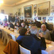 kozan.gr: Καθαρά Δευτέρα (2/3) στο Σύλλογο Κασμιρτζήδις, στο Σμάθκο Κοζάνης – Λαγάνα, φασόλια, ταραμάς, ελιές κι άλλα εδέσματα (25 Φωτογραφίες & Βίντεο)