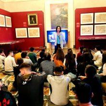 Η Βουλευτής ΣΥΡΙΖΑ ΠΕ Κοζάνης  Καλλιόπη Βέττα συναντήθηκε  με μαθητές και καθηγητές συνοδούς του 1ου Γυμνασίου Κοζάνης που πραγματοποίησαν εκπαιδευτική εκδρομή στη Βουλή