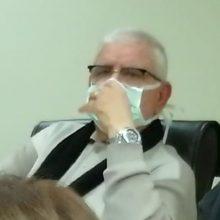 kozan.gr: Με μάσκα (χειρουργική) στη συνεδρίαση του Δημοτικού Συμβουλίου Κοζάνης ο Δημοτικός Σύμβουλος Α. Δερμιτζάκης, του συνδυασμού του Ε. Σημανδράκου – Για ποιο λόγο τη φόρεσε; (Βίντεο)