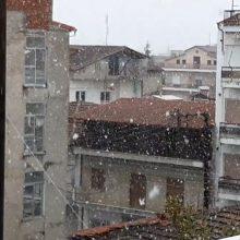 kozan.gr: Ώρα 15:00: Άρχισε η χιονόπτωση στην Πτολεμαίδα (Βίντεο)
