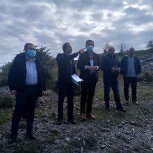 Με παραγωγούς και προέδρους κτηνοτροφικών χωριών του Δήμου Σερβίων συναντήθηκε, χθες Πέμπτη 30/4, ο Περιφερειάρχης Δ. Μακεδονίας Γ. Κασαπίδης – Το σχέδιο της Περιφέρειας Δυτικής Μακεδονίας για την κάλυψη βασικών υποδομών ύδρευσης, ηλεκτροδότησης και οδικής πρόσβασης σε γεωργικές και κτηνοτροφικές εκμεταλλεύσεις
