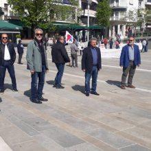kozan.gr: Κοζάνη: Tίμησαν, στην κεντρική πλατεία, το πρωί της Παρασκευής 1/5, την Εργατική Πρωτομαγιά – Η συμβολική κατάθεση στεφάνων στην κεντρική πλατεία Κοζάνης (Βίντεο & Φωτογραφίες)