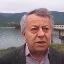 "kozan.gr: Σημερινή (10/5) δήλωση του Αντιπεριφερειάρχη Επιχειρηματικής Ανάπτυξης Γ. Βαβλιάρα για την έλευση προσφύγων στην Αιανή: ""Δεν είναι δυνατόν να γίνονται τέτοιες κινήσεις και να μη γνωρίζει η πολιτική εξουσία της περιοχής"" (Βίντεο)"