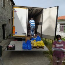 Με επιτυχία πραγματοποιήθηκε η 3η διανομή τροφίμων στα Σέρβια στο πλαίσιο του προγράμματος ΤΕΒΑ