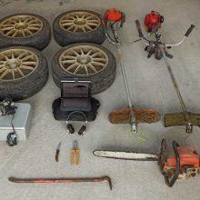 Εξιχνιάστηκαν από το Τμήμα Ασφάλειας Εορδαίας τρεις περιπτώσεις κλοπών που διαπράχθηκαν σε αγροτικές αποθήκες, σε περιοχές της Πτολεμαΐδας –   Οι δράστες αφαιρούσαν κυρίως επαγγελματικό εξοπλισμό (μηχανήματα και εργαλεία μηχανολογικής και ηλεκτρολογικής φύσεως) (Φωτογραφία)
